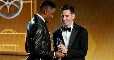 Lionel Messi félicite Eto'o fils Samuel